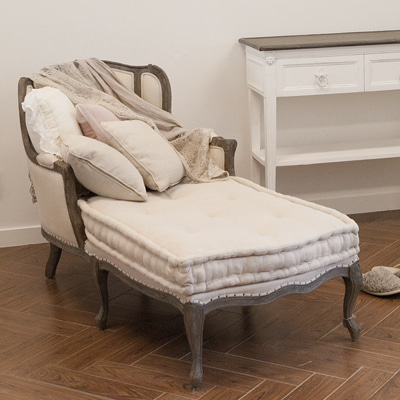 Canus day bed